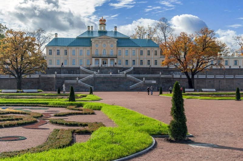 Меншиковский дворец Ораниенбаум.jpg