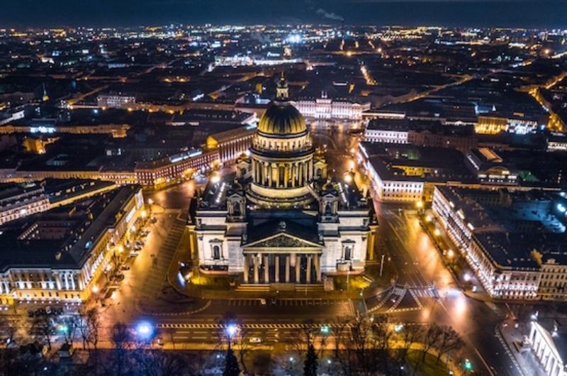 Исаакиевский собор ночью.jpg