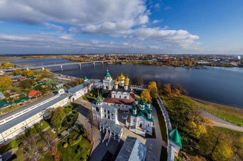 Кострома Ипатьевский монастырь.jpg