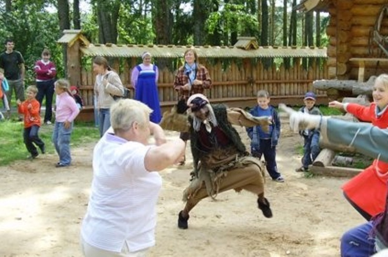 Баба Яга танцует.jpg