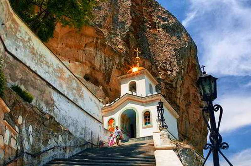 Свято-Успенский монастырь.jpg